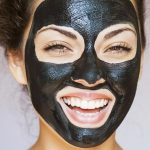 How-to-Apply-black-Charcoal-Mask